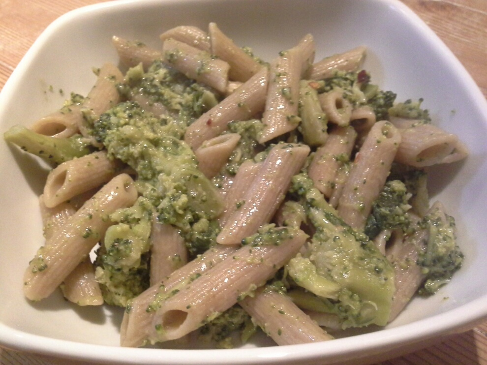 Penne integrali con broccoletti